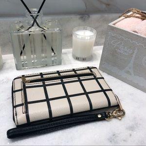 Fossil plaid zip wallet/ wristlet